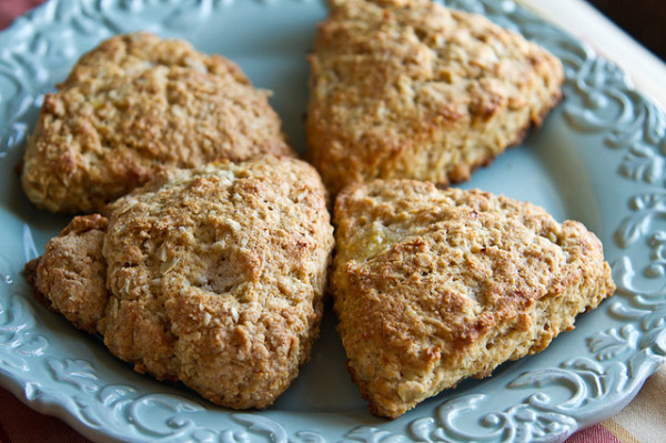 Banana-Oatmeal Nutmeg Scones - poet in the pantry