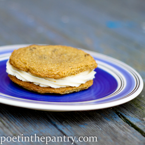 cheesecake cookie sandwich