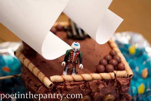 pirate on his ship cake