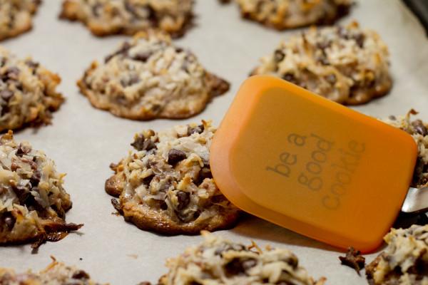 Chocolate Chip Toffee Macaroon Cookies