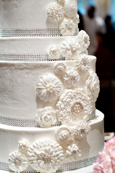 wedding cake from Riverview