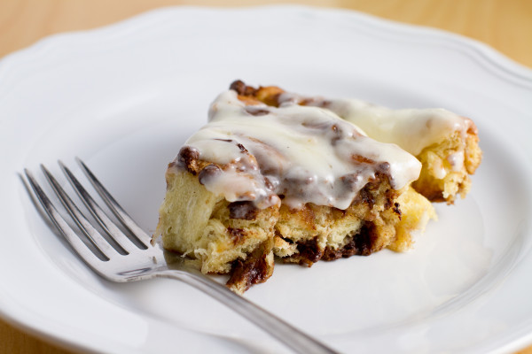 Chocolate Chip Cinnamon Bun Cake