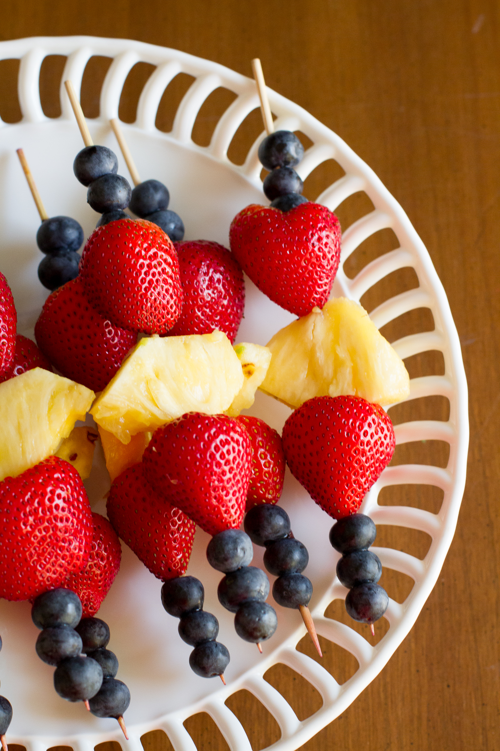 patriotic fruit kabobs - poet in the pantry