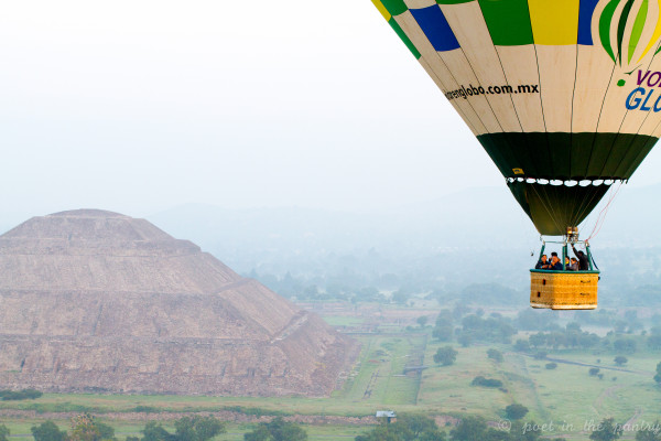 Hot air balloon ride over the pyramids at Teotihuacan, Mexico