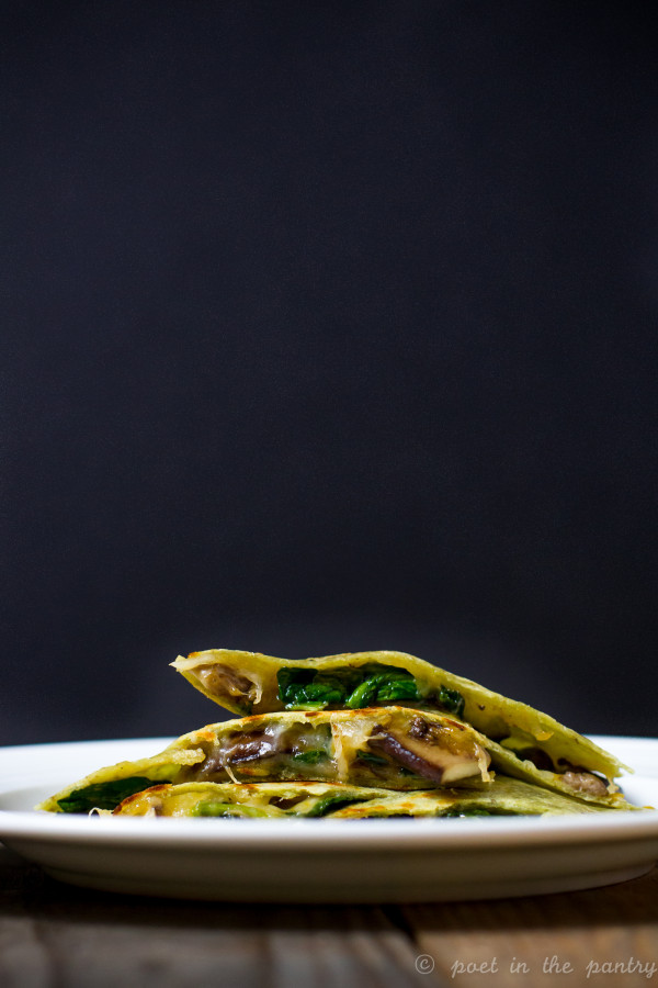 Spinach and Mushrooms Quesadillas are a quick and easy appetizer or entree. Make them gluten free with Toufayan's Gluten Free Spinach Wraps! #sponsored