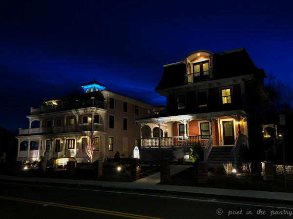 Tall Tales is the latest addition to Saybrook Point Inn in Old Saybrook, Connecticut. This guest house boasts 6 rooms, each with its own personality, with a gourmet kitchen and comfortable common areas. {sponsored post}