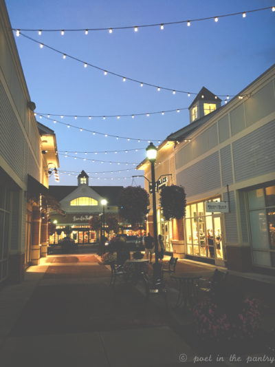 The Shoppes at Farmington Valley have something for everyone! Spend an evening in Canton, Connecticut and shop to your heart's desire! {sponsored post}