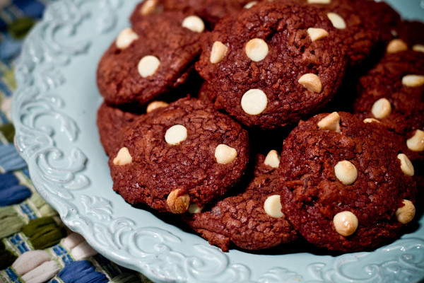 chocolate chunk cookies with ginger