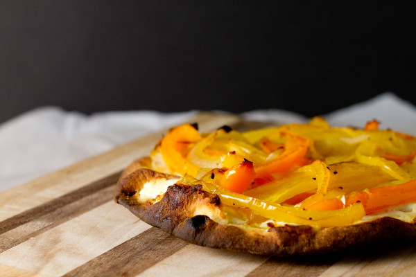 onions and peppers naan pizza