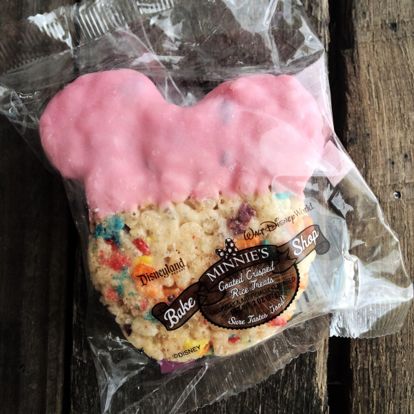 Plastic baggies save the day when you can't finsh a special treat! Save it for later and don't miss out!